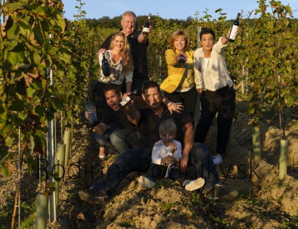 Rodinný rodnik s vínom
